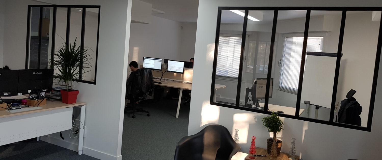 Entrée du bureau et espace de support technqiue